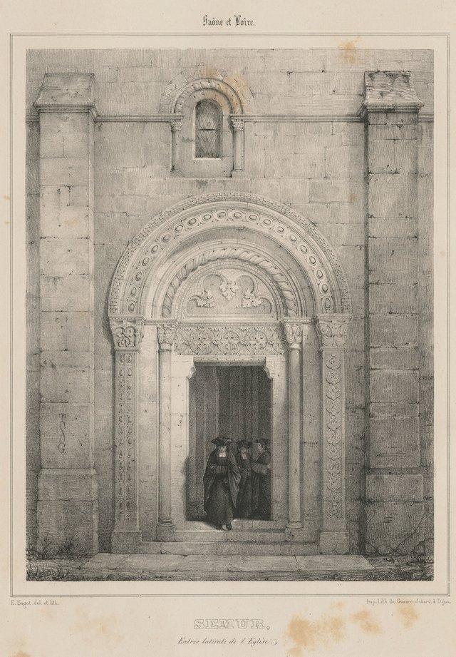 Entrée latérale de l'église de Semur-en-Brionnais