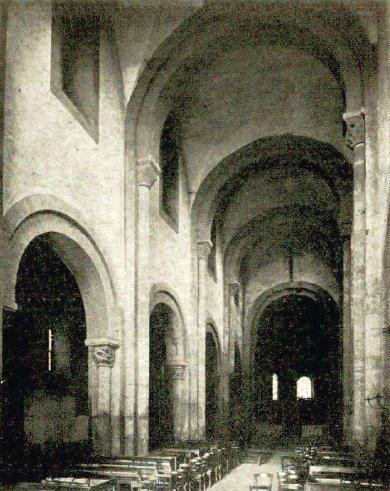 Intérieur de l'église d'Anzy