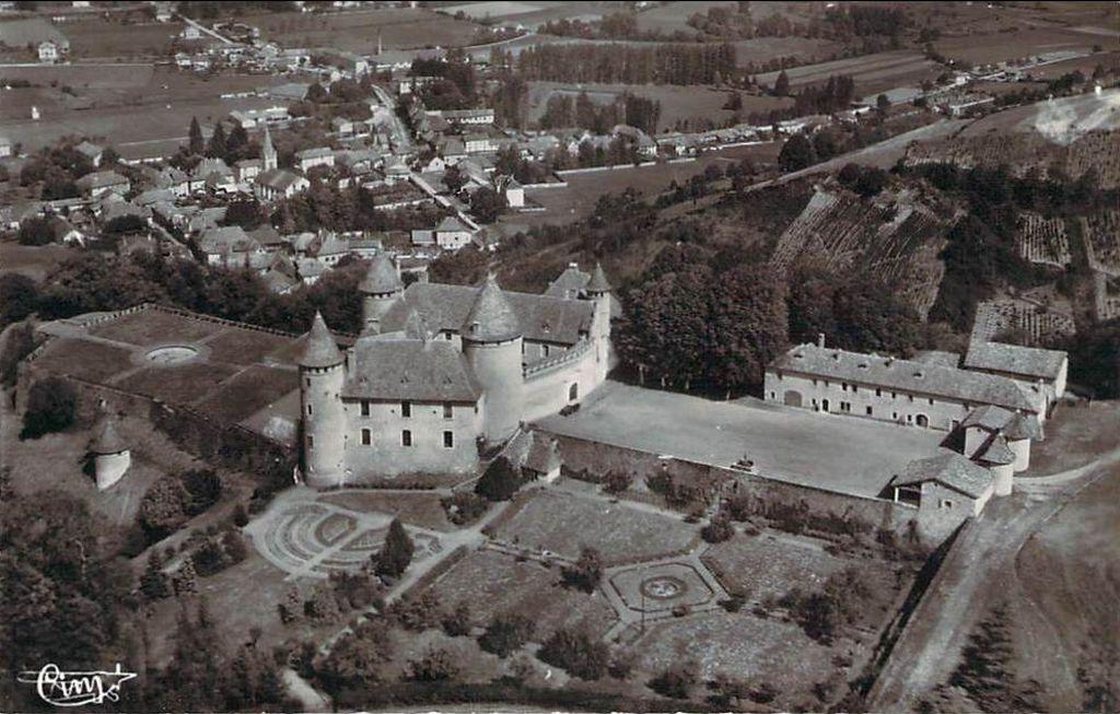 Château de Virieu à Virieu-sur-Bourbre