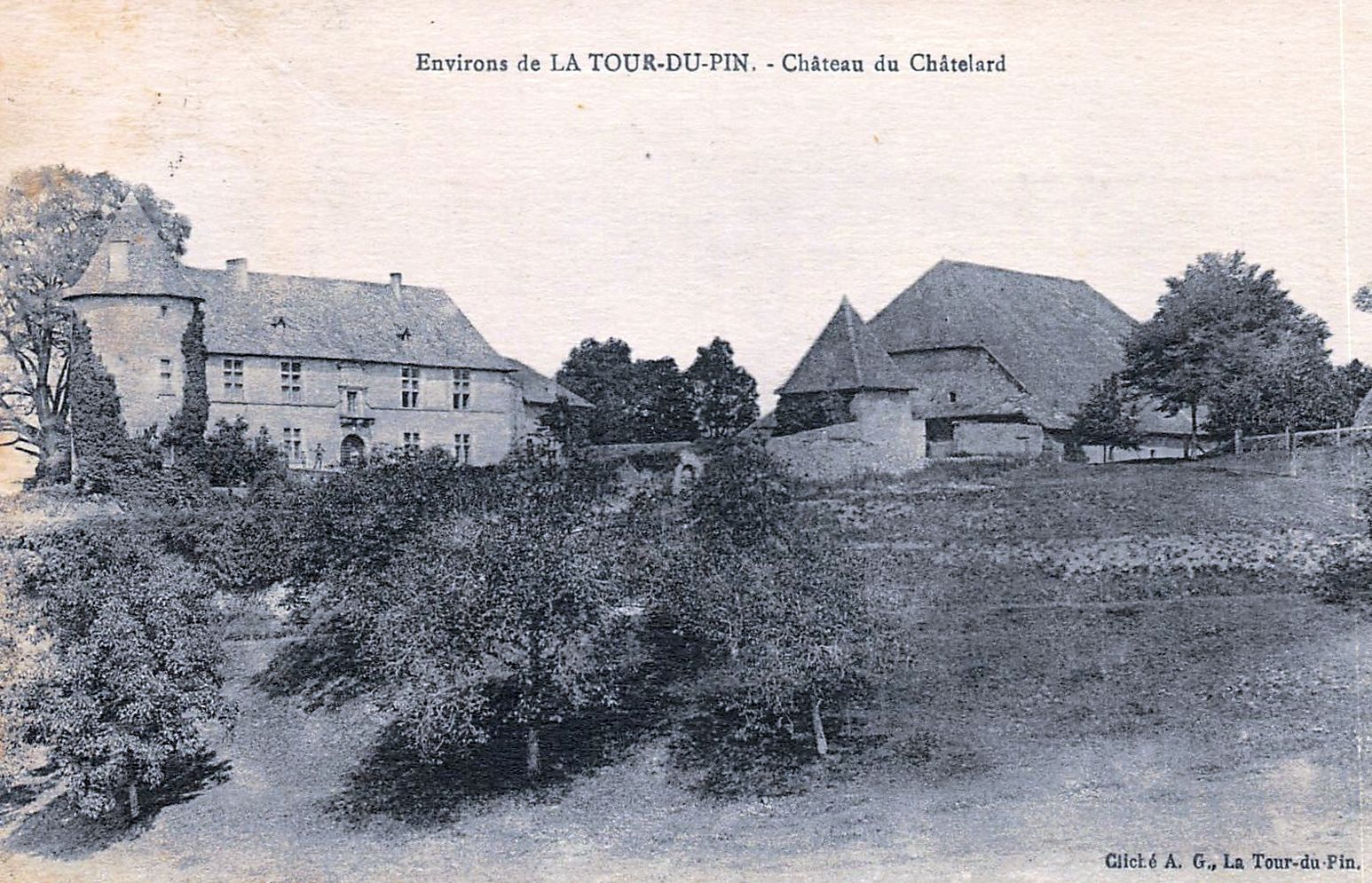 Château du Chatelard à Montagnieu