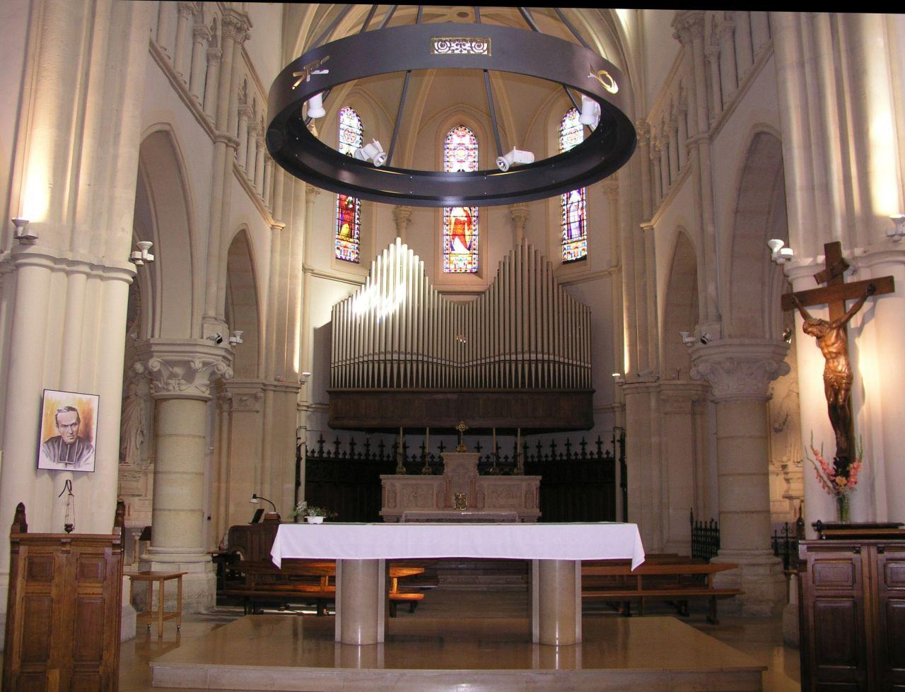 Choeur de l'église de La Tour-du-Pin