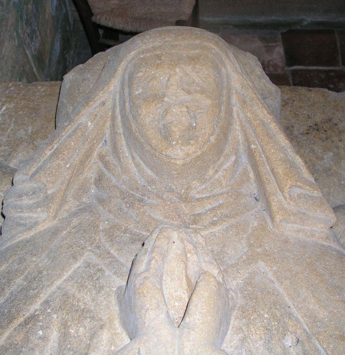 Sybille de Luzy, dame de Dyo - église de Saint-Germain-en-Brionnais