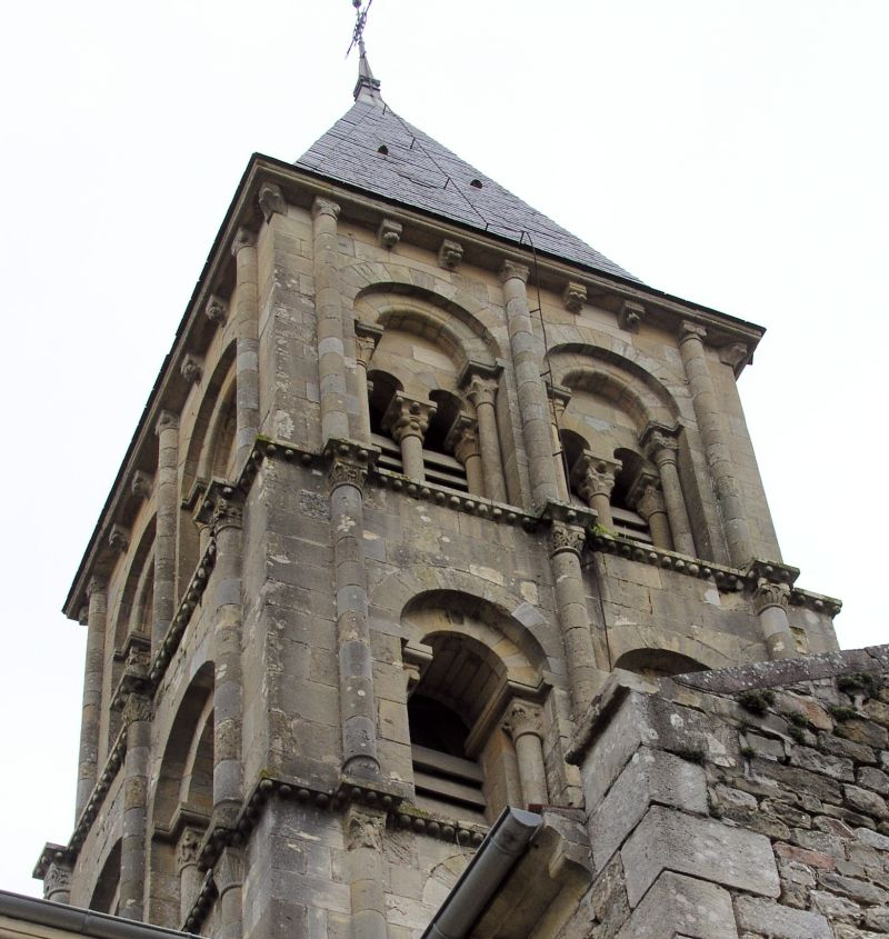 Église de Saint-Laurent-en-Brionnais 2
