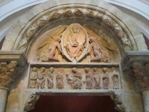 Tympan de l'église romane d'Anzy-le-Duc